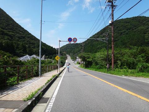 国道1号最高地点手前。ちょっと北海道っぽい? 【猛暑の箱根ツアーフォトアルバムはこちら!】