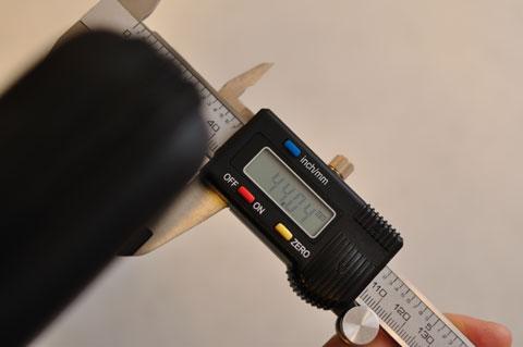 ケースが立派すぎ,VAIO P本体の厚み(20mm)の2倍の厚みに膨らんでしまいます。