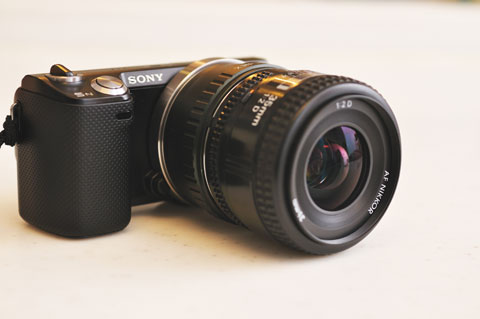 Nikkor 35mm F2Dを装着してみました。そんなに巨大じゃないし,すごく使いやすい(^^)