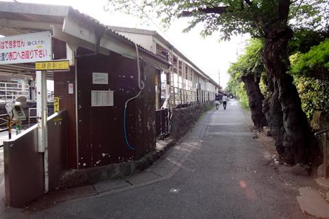 北鎌倉駅の裏側。この辺にビブリア古書堂があるはずなんだけど・・・。