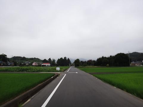 Noguさんと合流後,宮ヶ瀬湖を目指す。前方の山々が霧に包まれているのが気になる・・・。