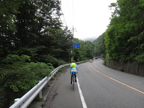 また秋に,この道を走って,諏訪湖まで!(^^)