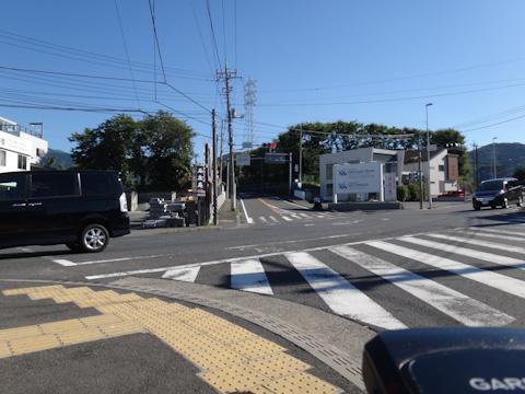 ヤビツアタック起点の名古木交差点。早くスタートしようよ・・・。