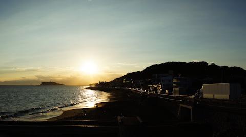 こちらは稲村ガ崎。夕日スポットとしては,こちらの方が有名です。