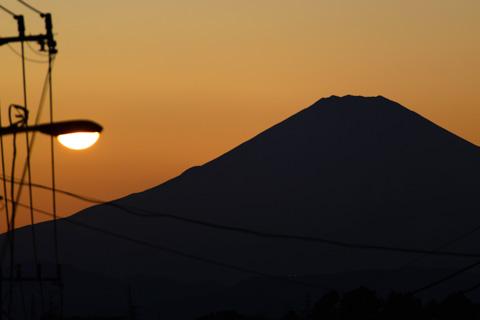 家の近くから富士山。