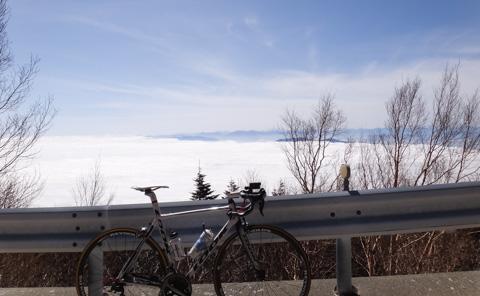 すばらしい雲海と595。さぁ,さわやかに下ろうぜ! ・・・・。