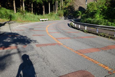 土山峠。標高差150mほどの小さな丘です(^^)