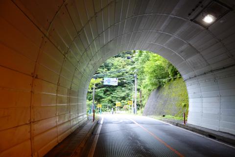 前半の,文字通り最大の山場,山伏峠を通過中!