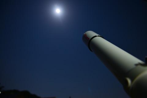 久しぶりに望遠鏡を出してきました。