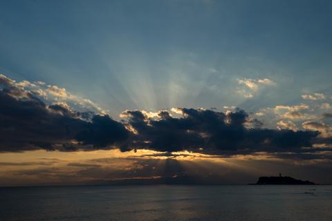 残念ながら雲が多く,また,富士山も見えませんでした。また来週来ましょう(^^)