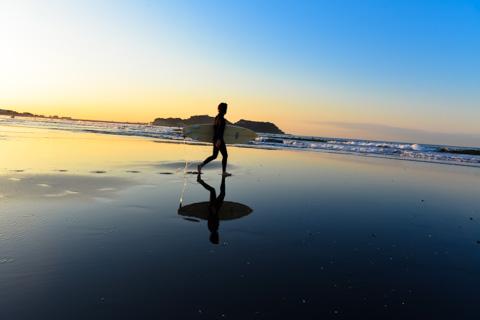 ほぼ狙い通りなんだけど,はっきり言って江ノ島が邪魔。タイミング見計らわないとなぁ・・・【秋のミラー砂浜アルバムはこちら~】