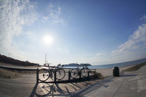 ずっと,ブログ改造ばかりでしたが,久しぶりにNoguさんと江ノ島海岸に。やっぱり,自転車乗りは走ってなんぼです!(^^)