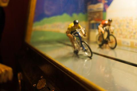 自転車ゲーム。ものすごい,ゴールスプリント!