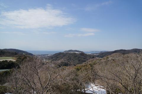 遠~~くの方に江ノ島が見えます。さぁ,下って帰ろう!