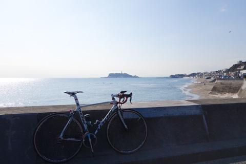 無事に七里ガ浜まで帰ってきました。この先の江ノ島で解散。お疲れさまでした~(^^)