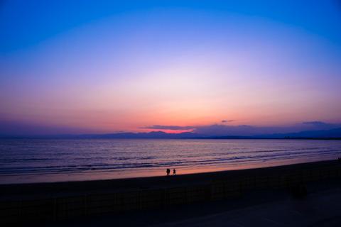 周囲には人がいなく,静かな海でした・・・。