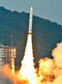 固体燃料ロケット(イプシロン)。