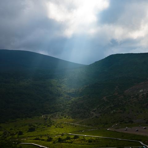 山を登るのはきついけど,普段見られない景色が見えるのは楽しい。
