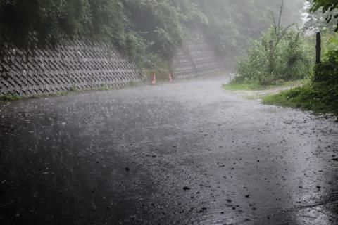 雨の強さが尋常じゃなかったです・・・。