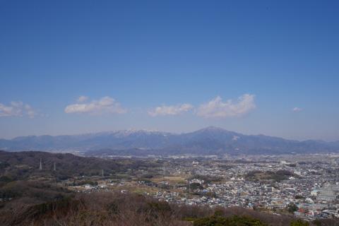 湘南平の展望台からヤビツ峠方面を撮った写真。