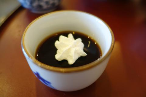 特製,マグロ風味のコーヒーゼリー ・・・らしいけど,普通のコーヒーゼリーだったような。