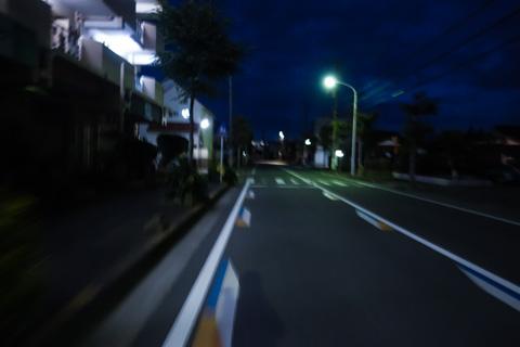 朝6時前の鵠沼付近。寒いし,誰もいないし・・・。