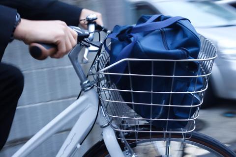 通学バッグが余裕で入る大きなカゴ。行ってらっしゃい~(^^)