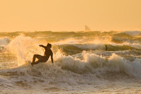 新年初海岸は,猛烈な強風でした  【強風鵠沼海岸アルバムはこちら~】