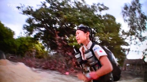 40kmを3回走った後の70km。トップの選手だってきついよ・・・。
