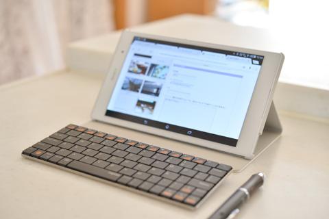 Bluetoothキーボードを使えば,小さなPCとしても使えますが,VAIO Pを使った方が遥かに楽。適材適所で使い分けないと。
