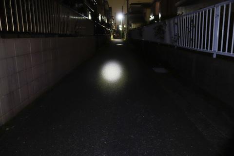 HL-EL520。真っ暗な道でも,なんとか走れます。