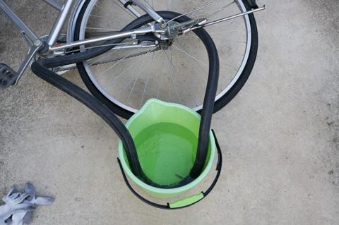 あ~,面倒くせぇ~。自転車屋さんかよ!(笑)