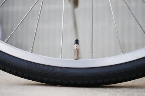 結局,バルブ泥棒にバルブを持っていかれただけで,タイヤ・チューブは無傷だったということです・・・。