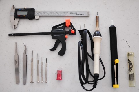 作業前に準備した工具たち。全部使ったわけじゃないですが・・・。