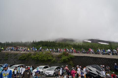 5合目も雨は降ってなかったですが,富士山頂は見えませんでした(><)
