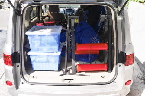 去年(FHC2014)の様子。左側の青い箱が,工具&パーツ類です。