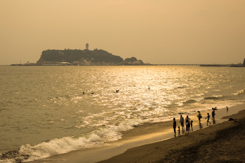 帰り道には,いつもの七里ガ浜で。夕方もいいんだなぁ,ここ(^^)