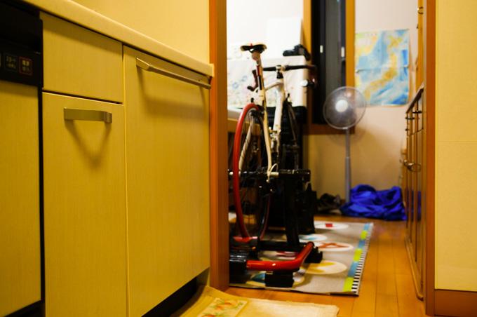 キッチンがすぐ横なので,汚れを出さないよう細心の注意を。