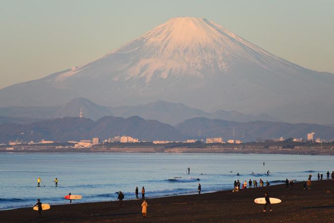 西を振り返れば,そこにはド~ンと富士山が。あそこまで登るとは,我ながらアホだなぁ・・・(笑