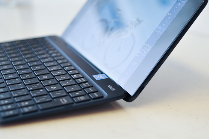 1月以降,すべての記事をASUS TransBook T90で書いています。使いやすい~(^^)