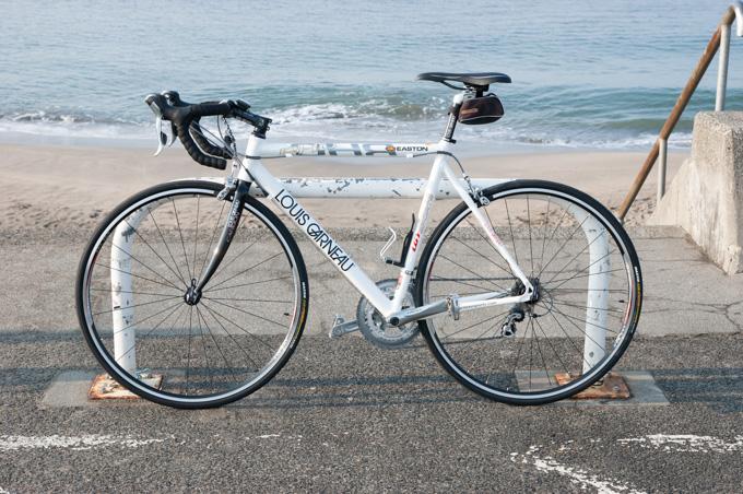 これは,2007年,初めてRHC(mark I)に乗った時の写真。自転車も地味ですが,撮り方も下手だな~(笑)