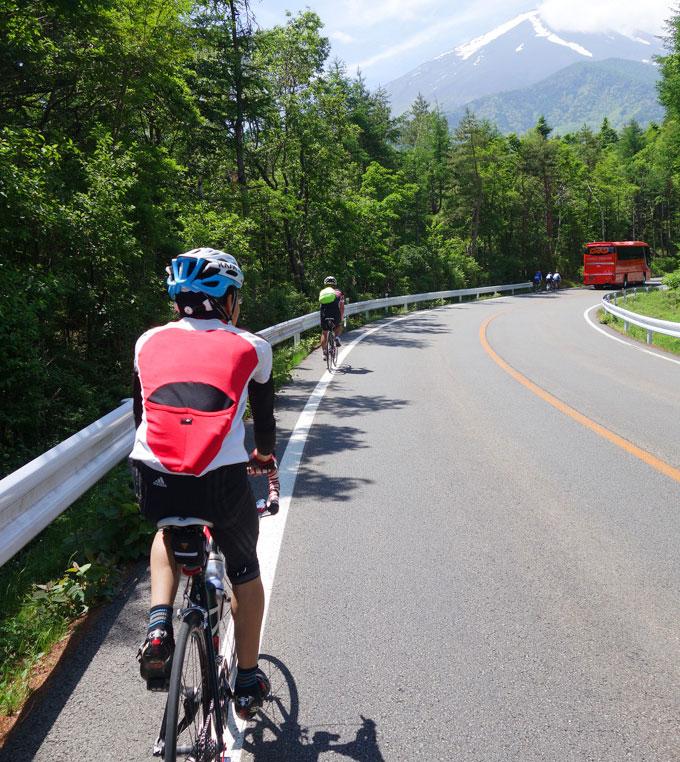 序盤は軽快に走っていました。天気も景色もいいし,素晴らしいサイクリング(^^)