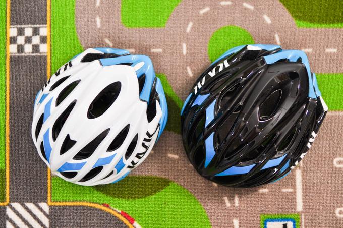 左がM,右がLサイズ。カラーは,白が黒に変わっただけです。