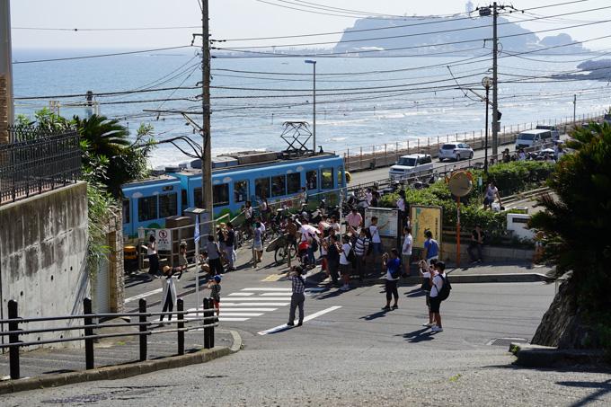 「スラムダンク」で登場したとかで,去年あたりから激混みが続く鎌倉高校前駅。近寄れぬ・・・。