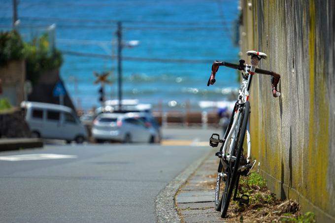 これで江ノ電が来れば,湘南らしい写真になるんだろうなぁ・・・。待つのが面倒だけど。