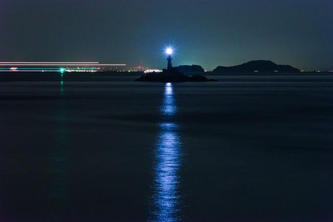 瀬戸内海は,夜も船がたくさん通っていました。