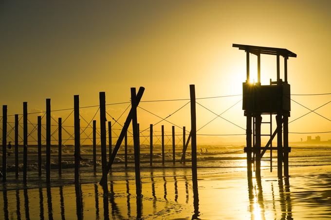 夏の間,海の安全を見守ってくれた監視台。ご苦労さまでした~(^^)
