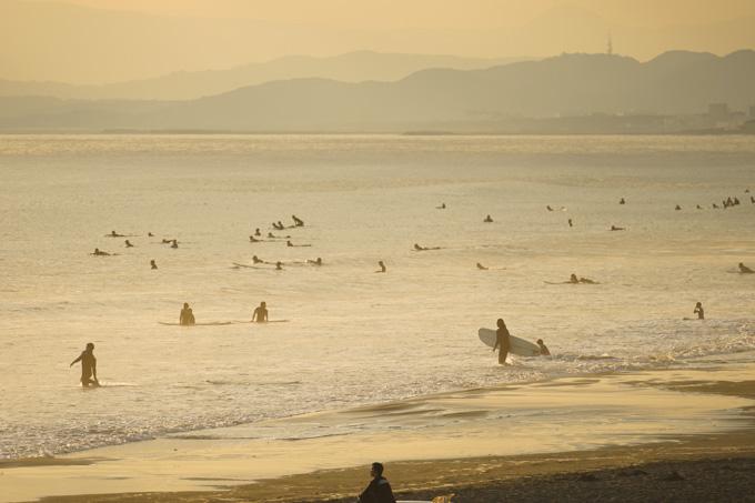 秋~冬になると,本当に好きなサーファーの比率が高まるのか,みなさんうまいです(^^)