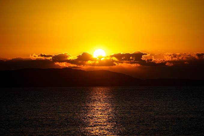 ついに太陽が昇りきりました。今年もよろしくお願いします m(_ _)m