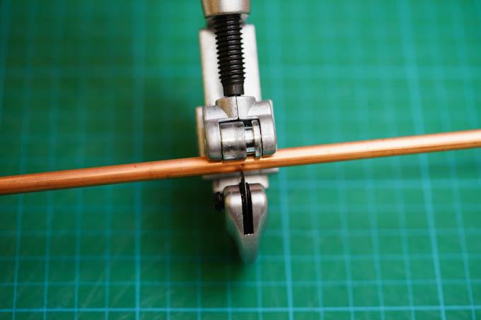 久しぶりに,この工具(パイプカッター)を使いました。RHC号のシートポストカット以来だ・・・。